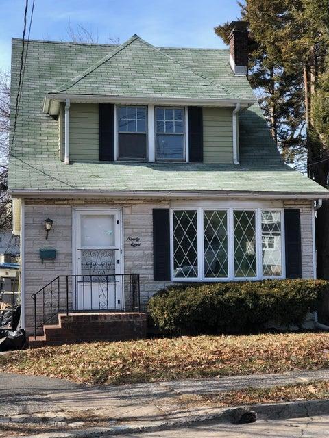 Tek Ailelik Ev için Satış at 98 Larch Avenue 98 Larch Avenue Bogota, New Jersey 07603 Amerika Birleşik Devletleri