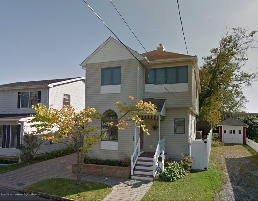 Single Family Home for Rent at 6 Cook Street 6 Cook Street Monmouth Beach, New Jersey 07750 United States