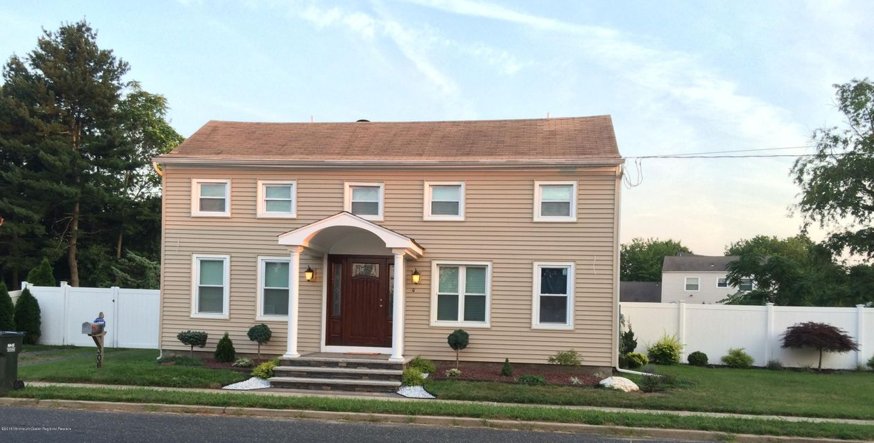 Single Family Home for Sale at 306 Stone Road 306 Stone Road Hazlet, New Jersey 07730 United States