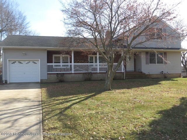 Single Family Home for Sale at 9 Makefield Circle 9 Makefield Circle Hamilton, New Jersey 08620 United States