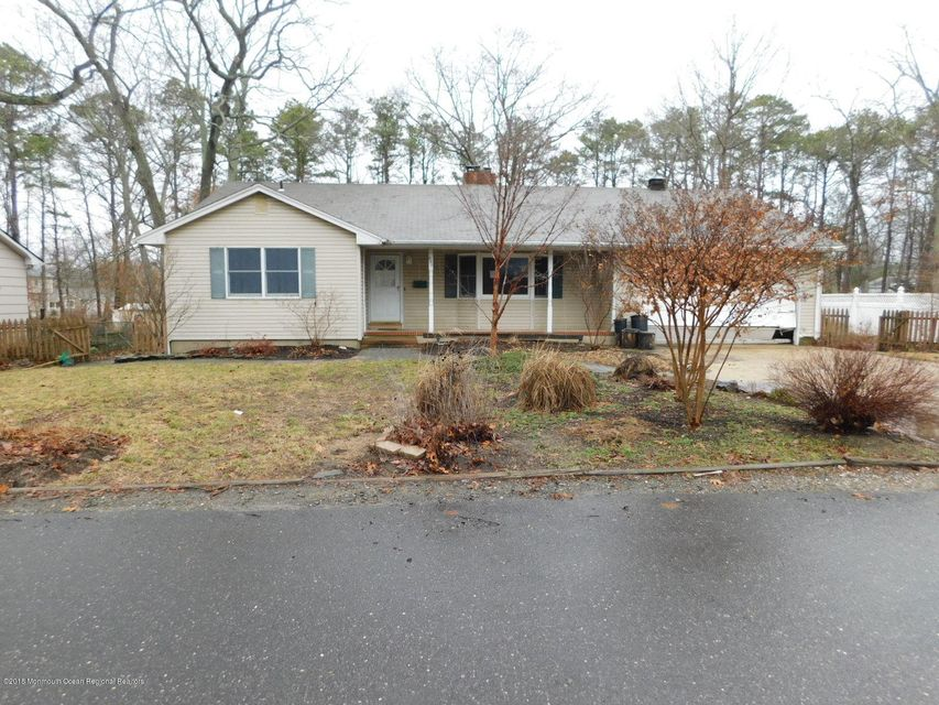 Single Family Home for Sale at 520 Merion Avenue 520 Merion Avenue Pine Beach, New Jersey 08741 United States