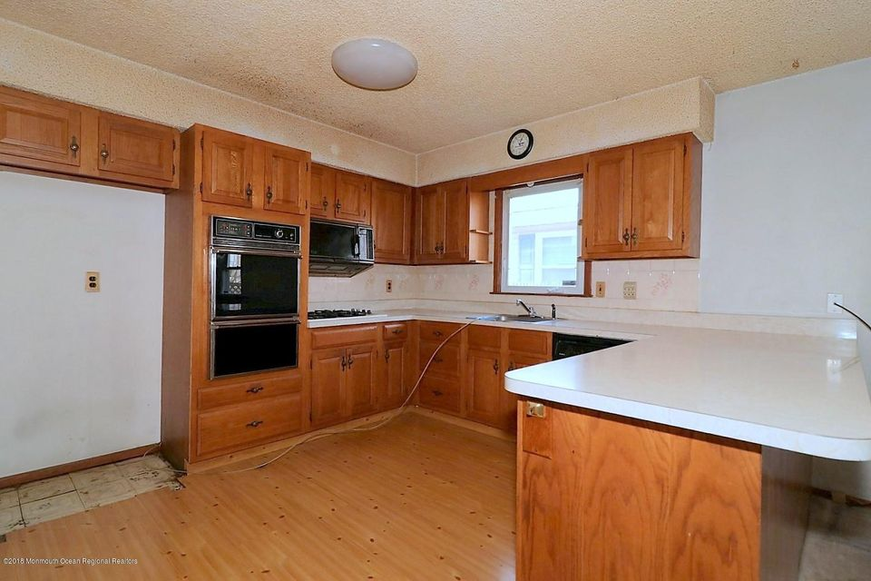Additional photo for property listing at 745 Garfield Avenue 745 Garfield Avenue Toms River, New Jersey 08753 Vereinigte Staaten