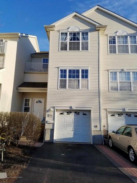 獨棟家庭住宅 為 出售 在 594 Beachway Avenue 594 Beachway Avenue Keansburg, 新澤西州 07734 美國