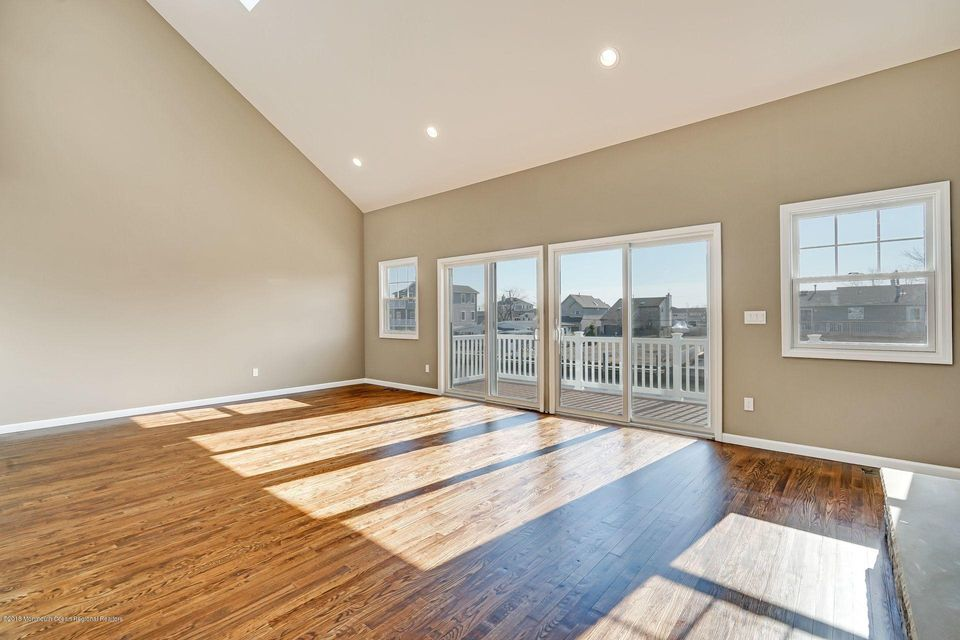 Additional photo for property listing at 315 Aldo Drive 315 Aldo Drive Toms River, New Jersey 08753 Vereinigte Staaten