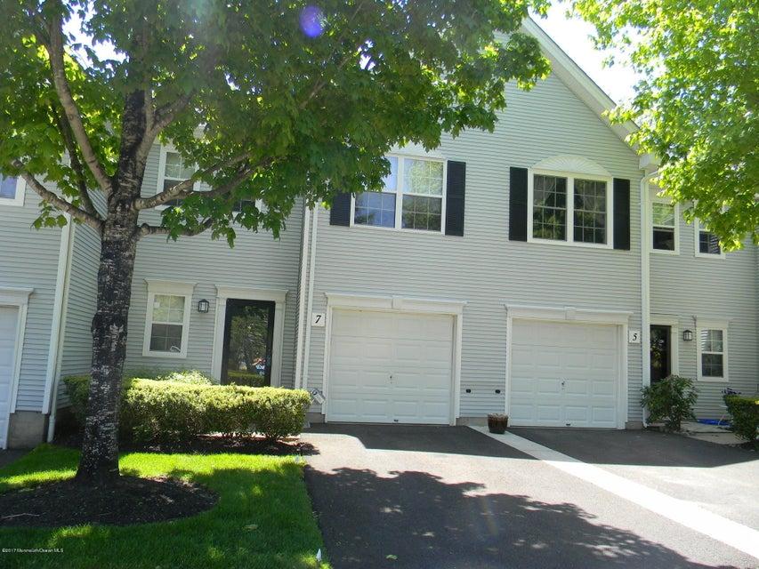 Appartement en copropriété pour l à louer à 7 Whitemarsh Drive 7 Whitemarsh Drive Manalapan, New Jersey 07726 États-Unis