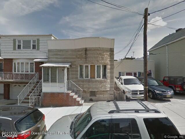 Casa Unifamiliar por un Venta en 7008 Adams Street 7008 Adams Street West New York, Nueva Jersey 07093 Estados Unidos