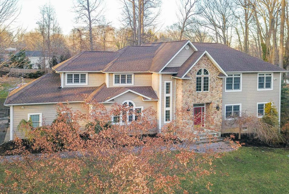 12  Coventry Square, Holmdel, New Jersey