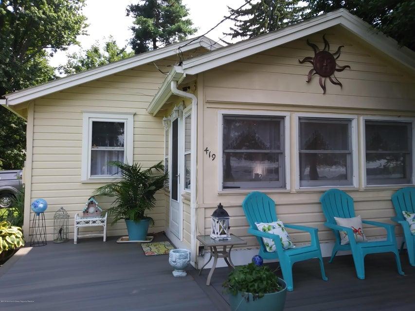 独户住宅 为 销售 在 419 Delaware Avenue 419 Delaware Avenue Delanco, 新泽西州 08075 美国