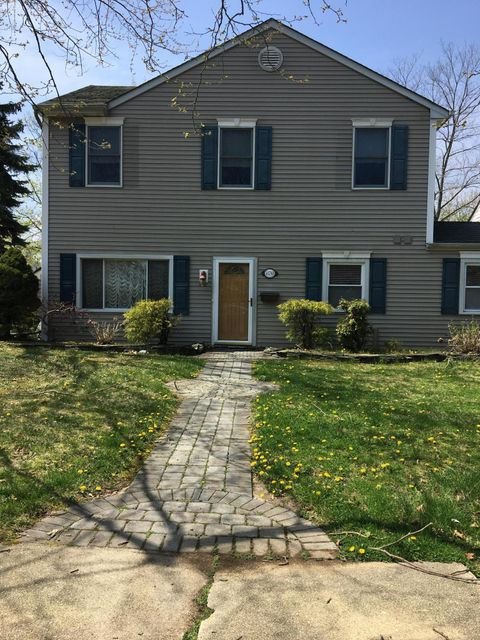 Single Family Home for Rent at 870 Woodgate Avenue 870 Woodgate Avenue Elberon, New Jersey 07740 United States