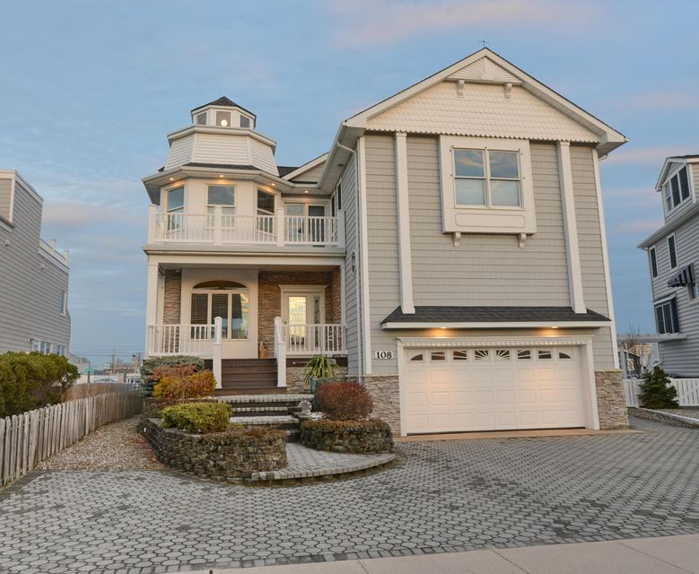Single Family Home for Sale at 108 Riverside Place 108 Riverside Place Point Pleasant Beach, New Jersey 08742 United States