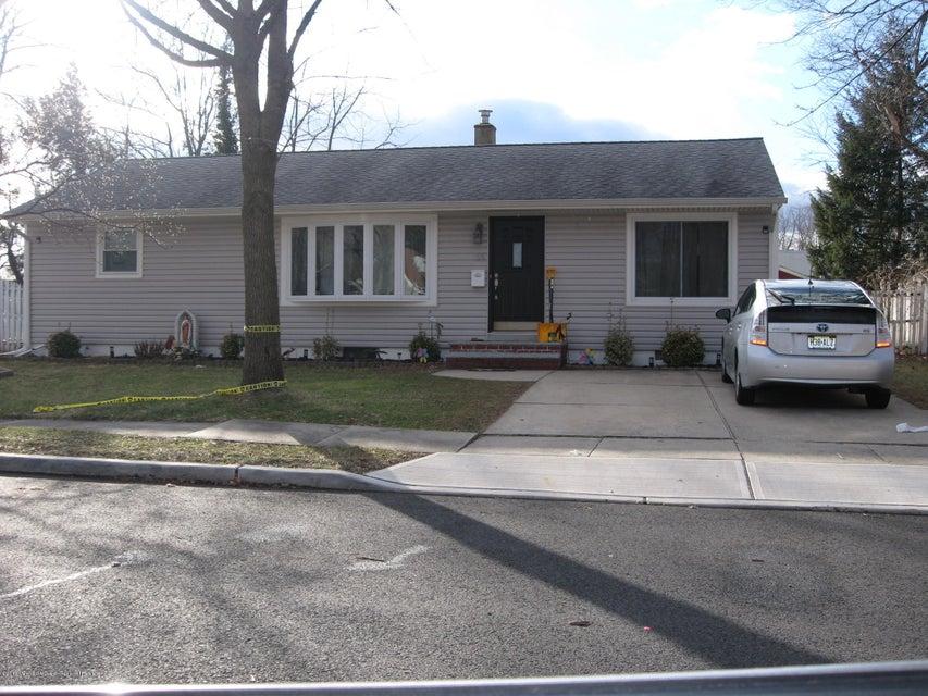 一戸建て のために 売買 アット 33 Burnham Road 33 Burnham Road East Brunswick Township, ニュージャージー 08816 アメリカ合衆国