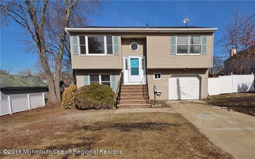 Nhà ở một gia đình vì Bán tại 5 3rd Street 5 3rd Street Aberdeen, New Jersey 07747 Hoa Kỳ