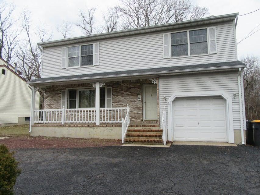 Casa Unifamiliar por un Alquiler en 74 Bethany Road 74 Bethany Road Hazlet, Nueva Jersey 07730 Estados Unidos
