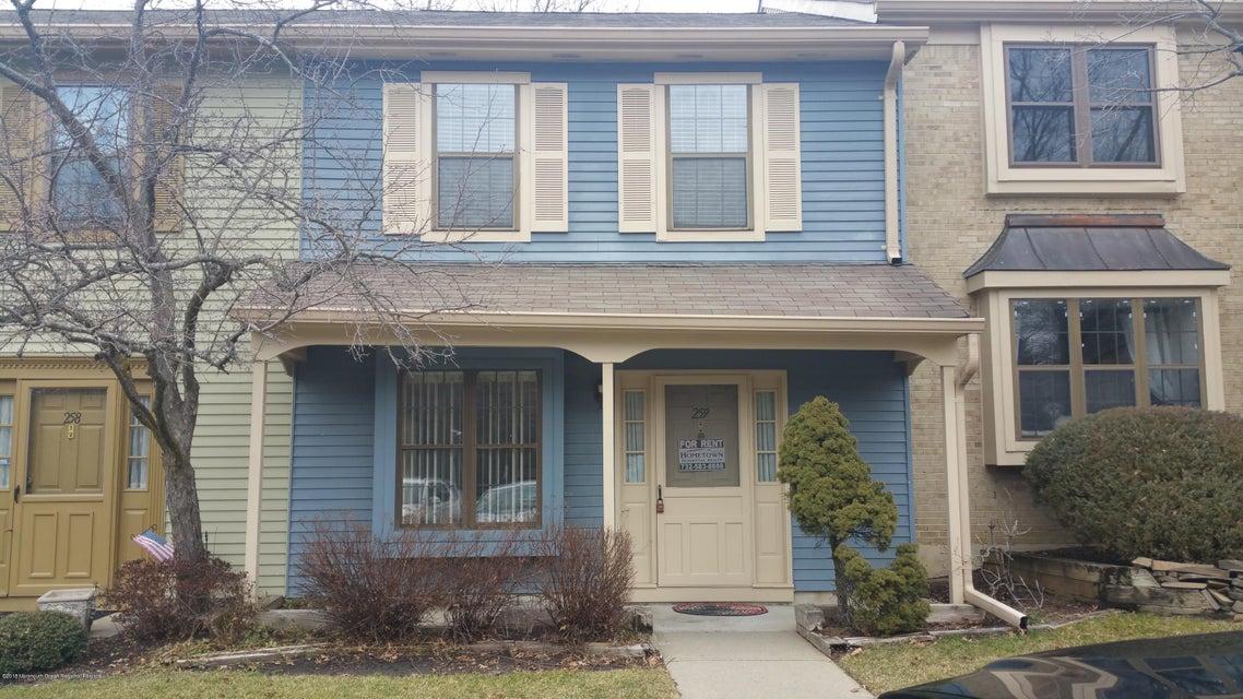 Appartement en copropriété pour l à louer à 259 Grassmere Court 259 Grassmere Court Aberdeen, New Jersey 07747 États-Unis