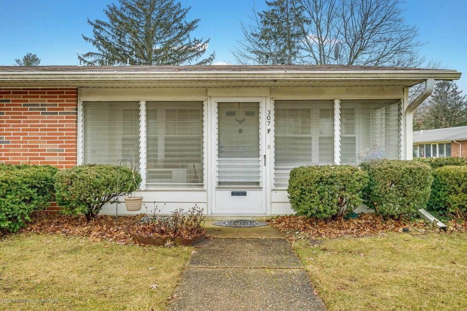 独户住宅 为 出租 在 307 Malvern Court 307 Malvern Court 莱克伍德, 新泽西州 08701 美国