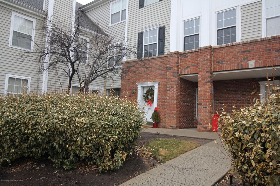 Single Family Home for Sale at 2007 Ridgeview Court 2007 Ridgeview Court Parlin, New Jersey 08859 United States