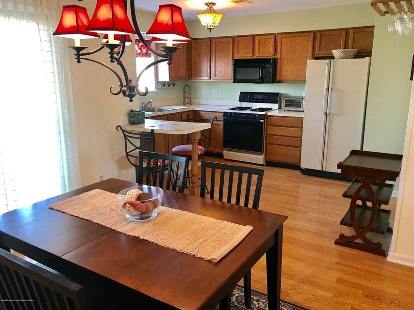 Appartement en copropriété pour l à louer à 17 Devon Court 17 Devon Court Spring Lake Heights, New Jersey 07762 États-Unis