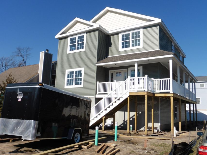 Single Family Home for Sale at 411 Carter Avenue 411 Carter Avenue Point Pleasant Beach, New Jersey 08742 United States