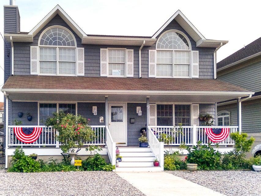 Частный односемейный дом для того Продажа на 9 6th Avenue 9 6th Avenue Seaside Heights, Нью-Джерси 08751 Соединенные Штаты
