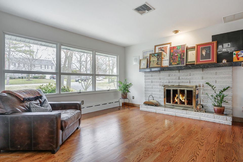 Additional photo for property listing at 108 Laurel Avenue 108 Laurel Avenue Toms River, New Jersey 08753 Vereinigte Staaten