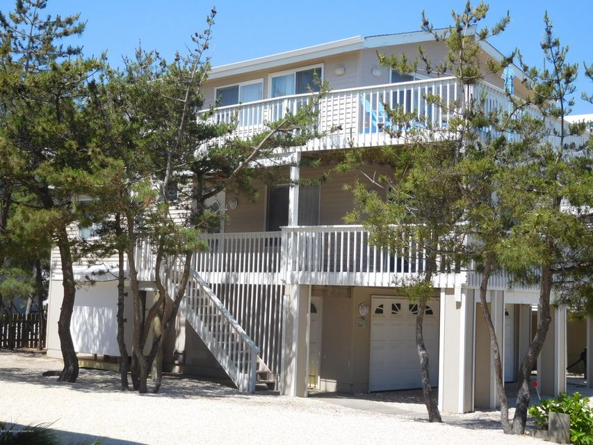Single Family Home for Sale at 6305 E Long Beach Boulevard 6305 E Long Beach Boulevard Harvey Cedars, New Jersey 08008 United States
