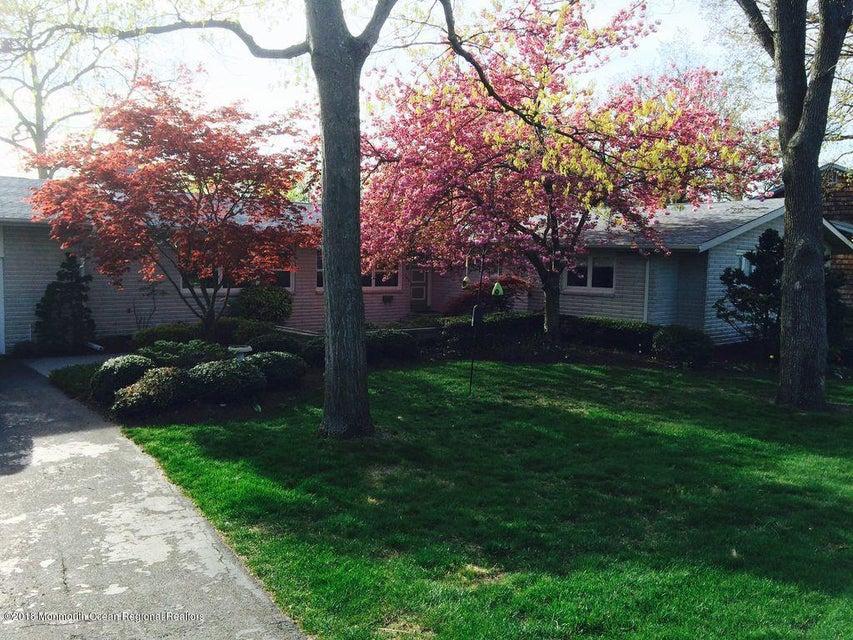 Einfamilienhaus für Verkauf beim 108 Laurel Avenue 108 Laurel Avenue Toms River, New Jersey 08753 Vereinigte Staaten