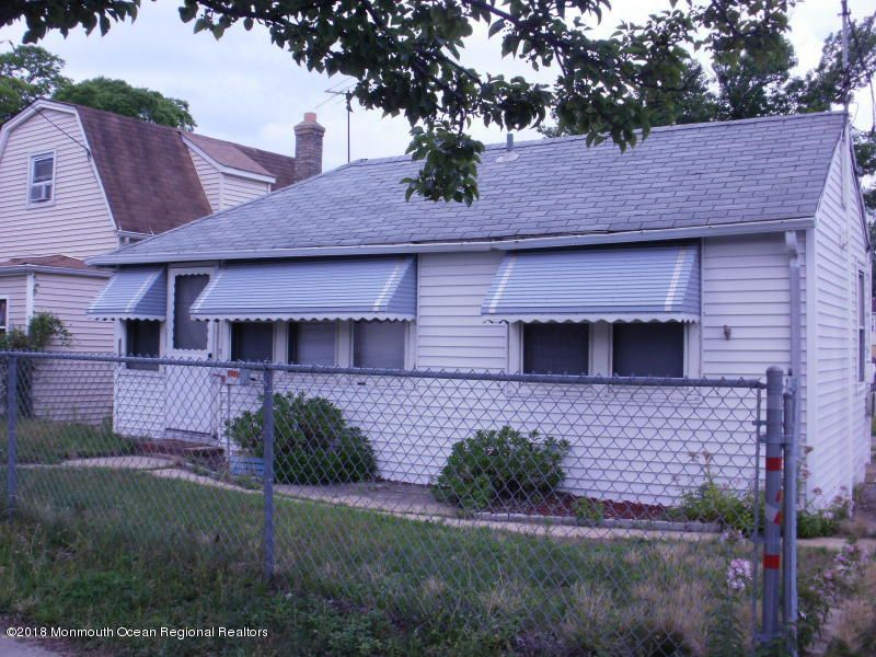 Single Family Home for Rent at 1117 Florence Avenue 1117 Florence Avenue Union Beach, New Jersey 07735 United States