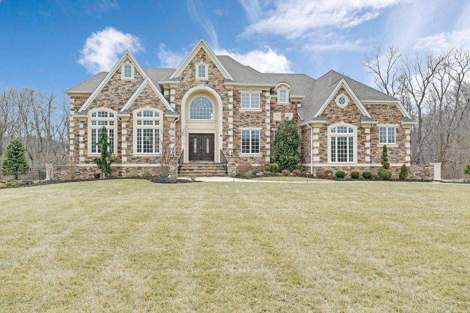 Casa para uma família para Venda às 8 Lakeview Drive 8 Lakeview Drive Manalapan, Nova Jersey 07726 Estados Unidos