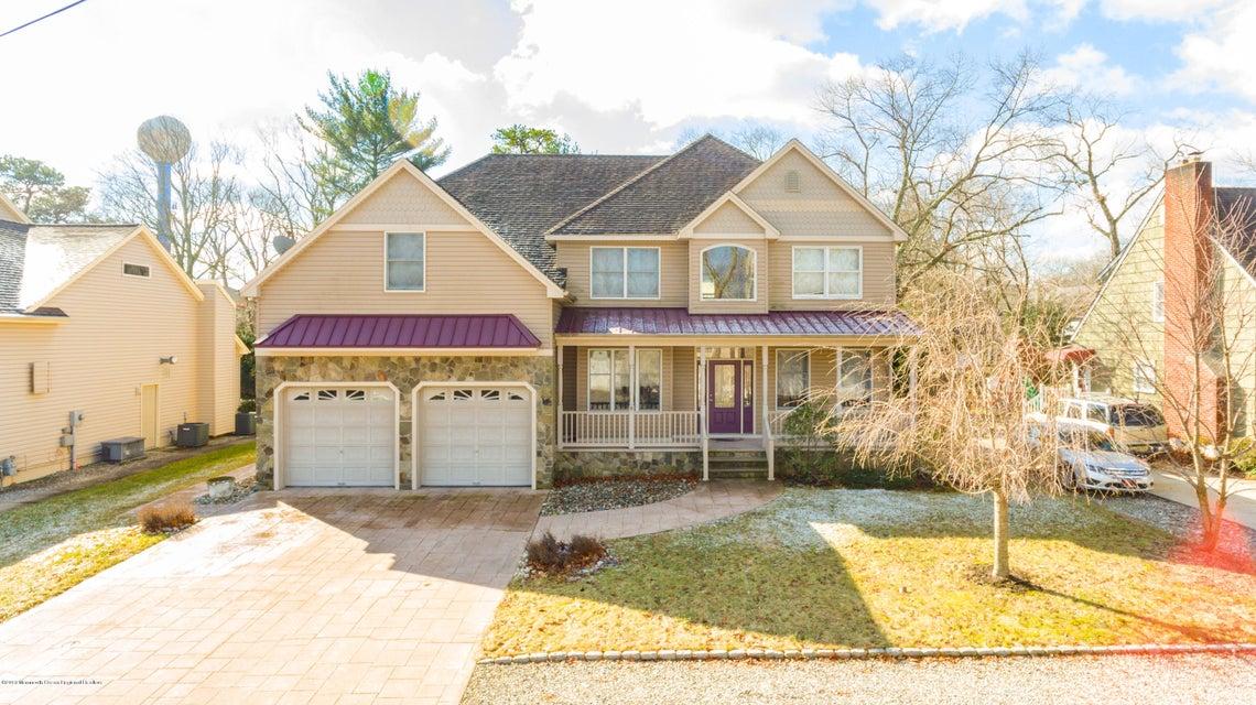 Casa Unifamiliar por un Venta en 829 Springfield Avenue 829 Springfield Avenue Pine Beach, Nueva Jersey 08741 Estados Unidos