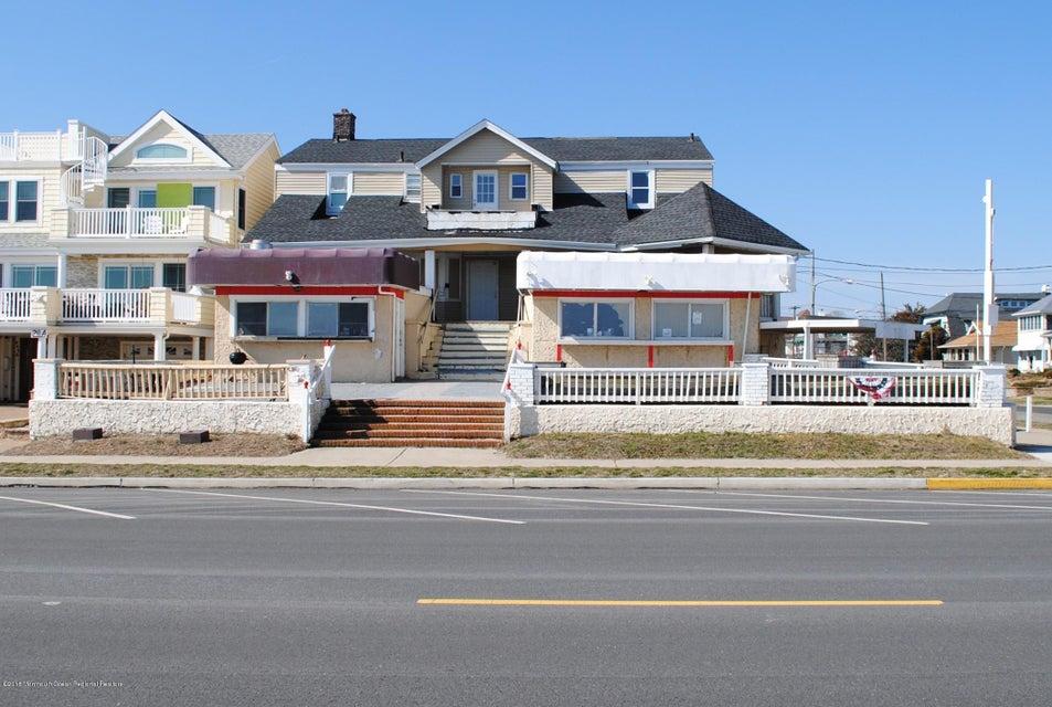 Коммерческий для того Продажа на 211 Ocean Avenue 211 Ocean Avenue Bradley Beach, Нью-Джерси 07720 Соединенные Штаты