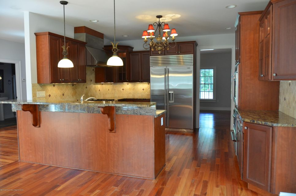 Additional photo for property listing at 730 Kings Highway 730 Kings Highway Atlantic Highlands, New Jersey 07716 États-Unis