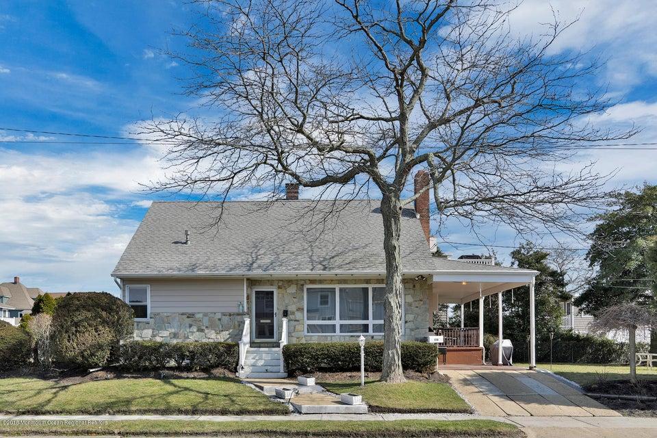 独户住宅 为 销售 在 518 1st Avenue 518 1st Avenue Avon, 新泽西州 07717 美国