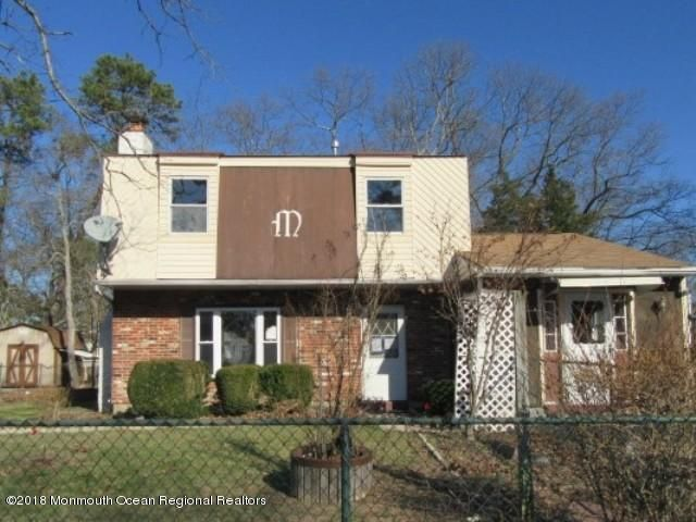 Maison unifamiliale pour l Vente à 11 River Street 11 River Street Browns Mills, New Jersey 08015 États-Unis