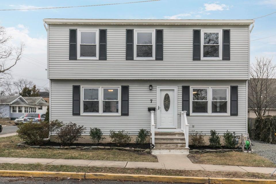 獨棟家庭住宅 為 出售 在 7 Bradley Street 7 Bradley Street Neptune City, 新澤西州 07753 美國