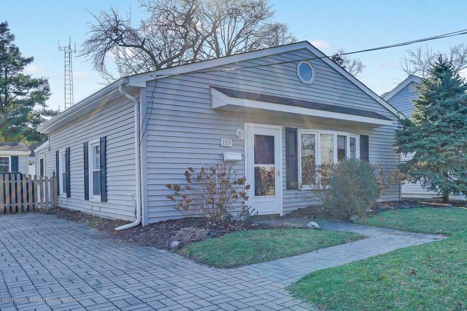 獨棟家庭住宅 為 出售 在 2228 Kenneth Road 2228 Kenneth Road Point Pleasant, 新澤西州 08742 美國