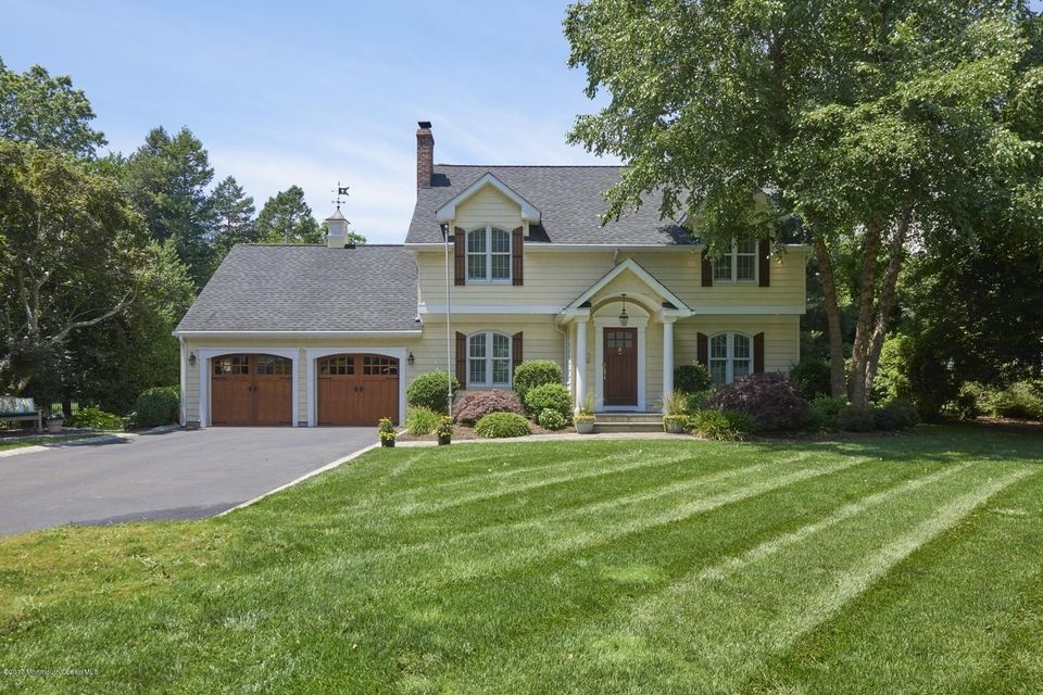 Maison unifamiliale pour l Vente à 52 End Avenue 52 End Avenue Shrewsbury, New Jersey 07702 États-Unis