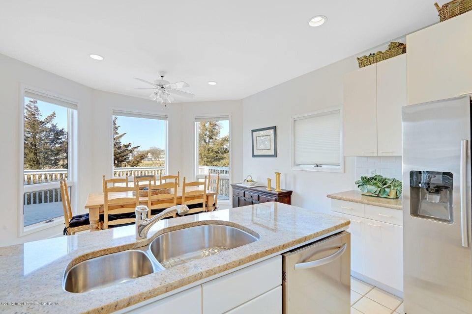 Additional photo for property listing at 127 Glimmer Glass Circle 127 Glimmer Glass Circle Manasquan, Nova Jersey 08736 Estados Unidos