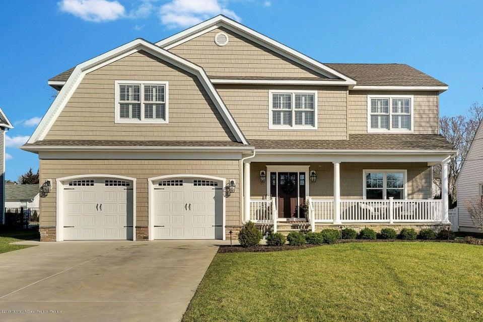 Maison unifamiliale pour l Vente à 112 10th Avenue 112 10th Avenue Spring Lake Heights, New Jersey 07762 États-Unis