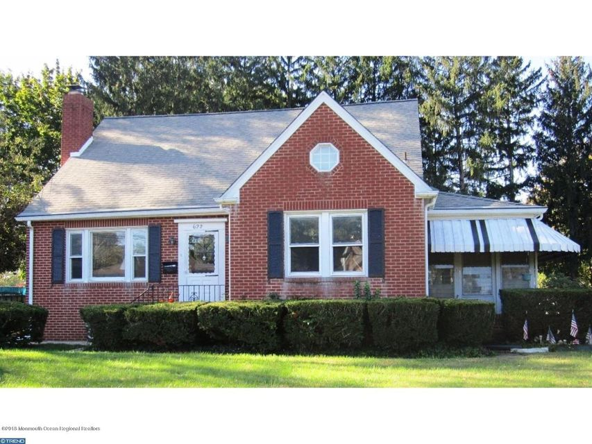 Single Family Home for Sale at 622 Whitehorse Hamilton Square Road 622 Whitehorse Hamilton Square Road Hamilton, New Jersey 08610 United States