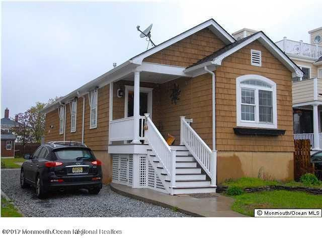 Single Family Home for Rent at 56 Waterman Avenue 56 Waterman Avenue Rumson, New Jersey 07760 United States