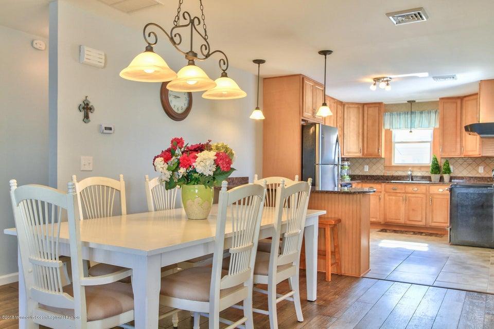 Casa Unifamiliar por un Alquiler en 225 2nd Avenue 225 2nd Avenue Ortley Beach, Nueva Jersey 08751 Estados Unidos