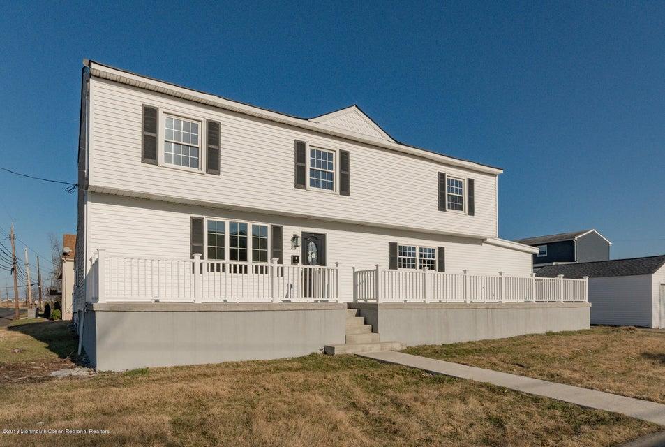 独户住宅 为 销售 在 1 Broad Street 1 Broad Street Port Monmouth, 新泽西州 07758 美国