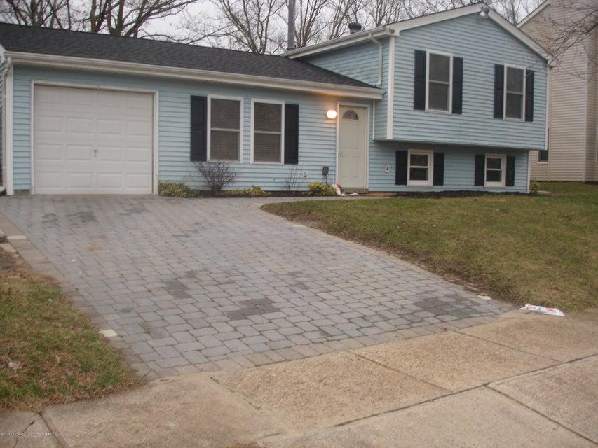 Casa Unifamiliar por un Alquiler en 56 Village Drive 56 Village Drive Barnegat, Nueva Jersey 08005 Estados Unidos