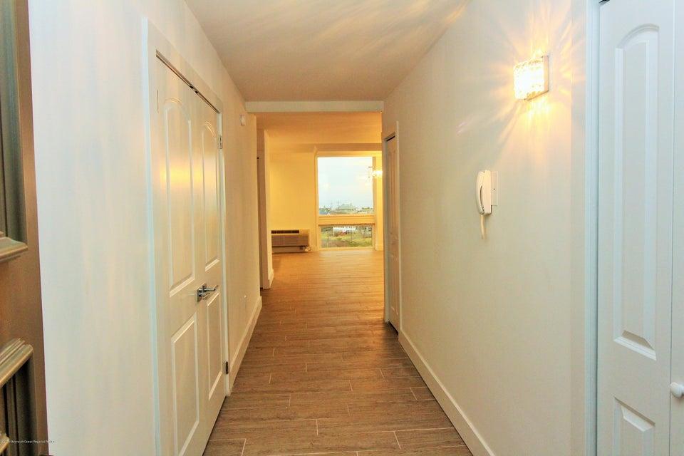 Appartement en copropriété pour l à louer à 1 Channel Drive 1 Channel Drive Monmouth Beach, New Jersey 07750 États-Unis