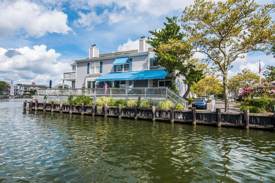Casa Unifamiliar por un Venta en 54 Bay Point Harbour Lane 54 Bay Point Harbour Lane Point Pleasant, Nueva Jersey 08742 Estados Unidos