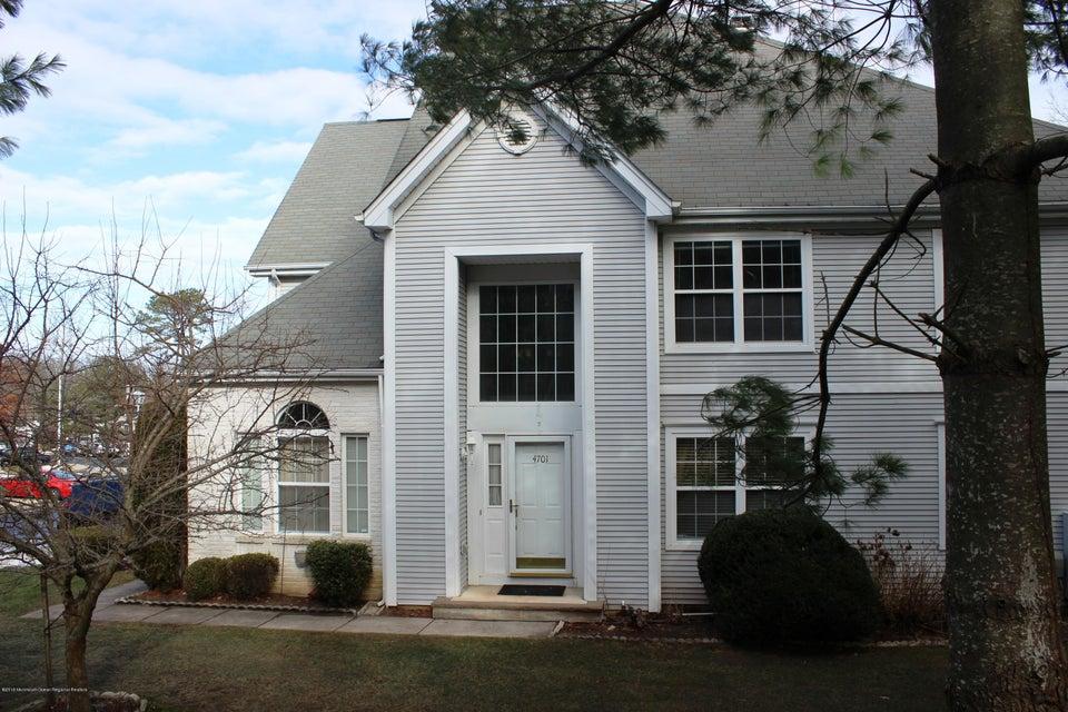 独户住宅 为 销售 在 4701 Saddle Back Lane 4701 Saddle Back Lane 汤姆斯河, 新泽西州 08755 美国