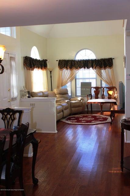 Additional photo for property listing at 4701 Saddle Back Lane 4701 Saddle Back Lane 汤姆斯河, 新泽西州 08755 美国