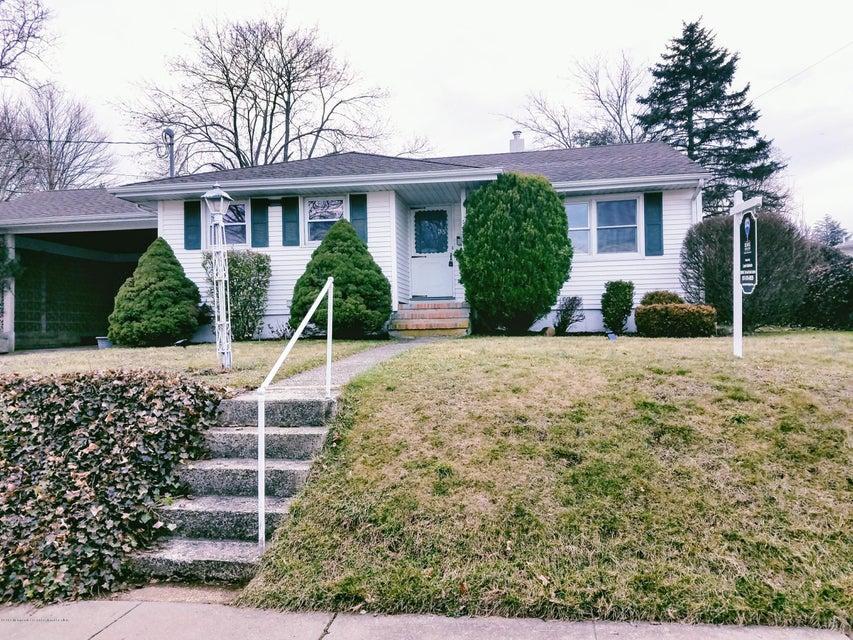 Single Family Home for Sale at 35 Davison Avenue 35 Davison Avenue Jamesburg, New Jersey 08831 United States