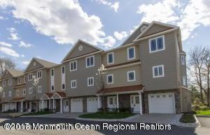 Nhà ở một gia đình vì Bán tại 553 Atlantic Avenue 553 Atlantic Avenue Aberdeen, New Jersey 07747 Hoa Kỳ