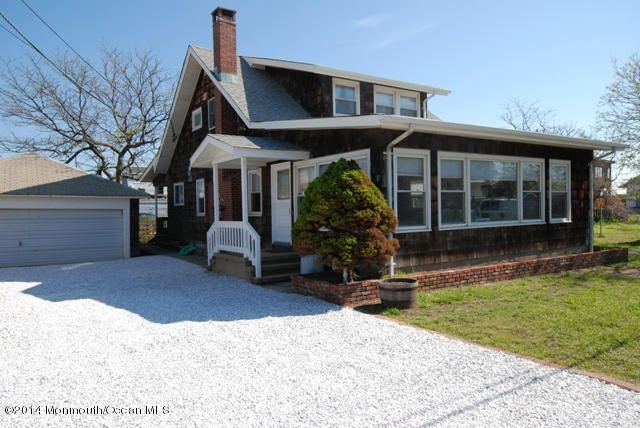 Single Family Home for Rent at 4 Mountainview Way 4 Mountainview Way Sea Bright, New Jersey 07760 United States